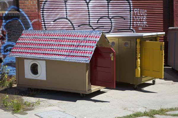 casas-con-basura-para-sintecho-09