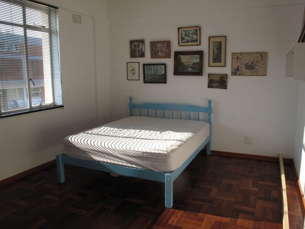 cama escritorio sin espacio 1