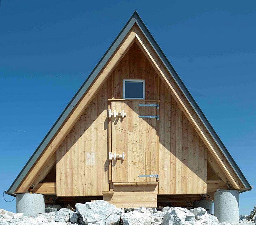 Puedes dormir gratis en este refugio de montaña si te atreves a subir hasta los 2531 metros