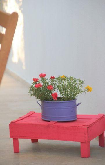 muebles-practicos-bonitos-faciles-hacer-palets-mesa-auxiliar-caja-fruta