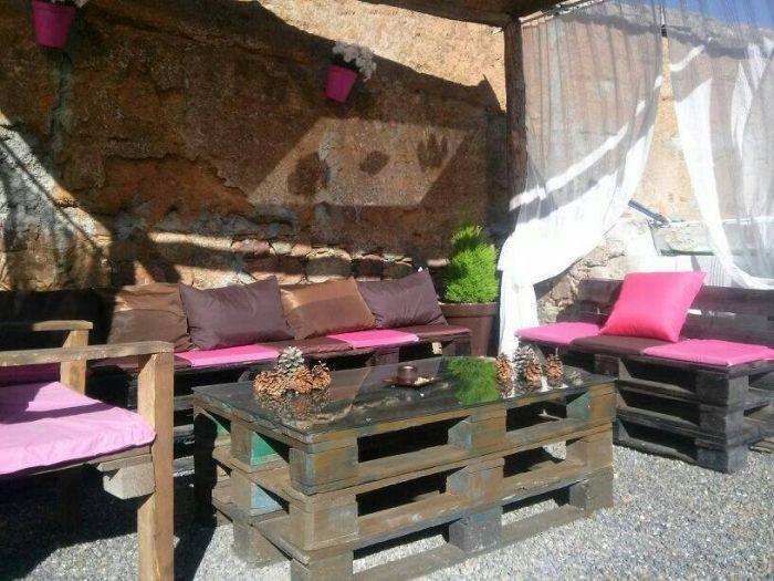 muebles-practicos-bonitos-faciles-hacer-palets-jardin