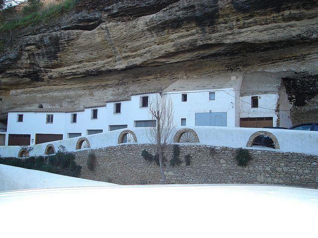 casas en rocas-13
