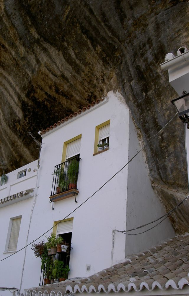 casas en rocas-04