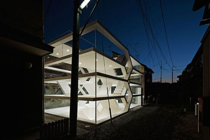 imponente-casa-transparente-11