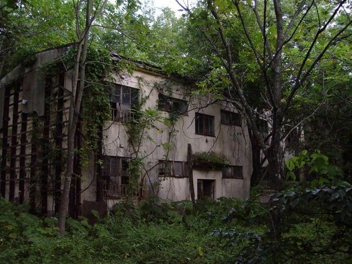 lugares-abandonados-llenos-historias-hotel