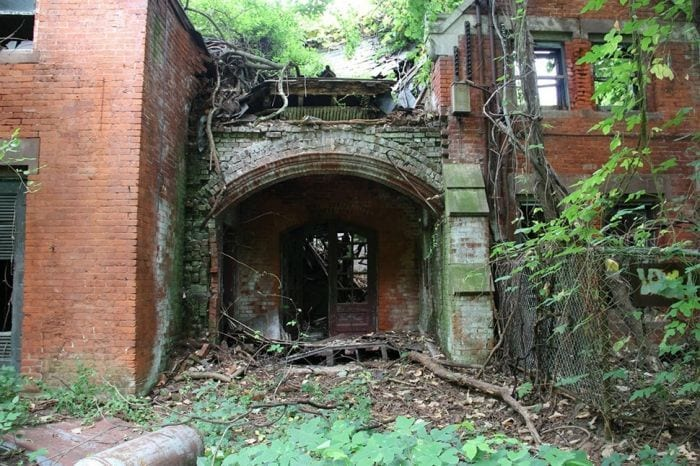 lugares-abandonados-llenos-historias-north-brother-island