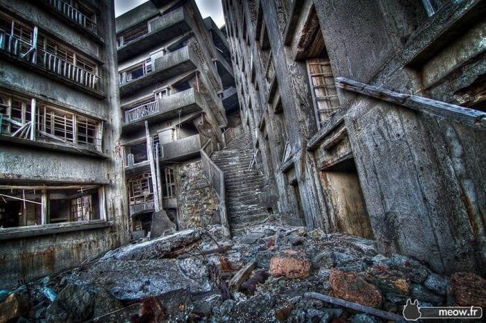 lugares-abandonados-llenos-historias-gunkanjima