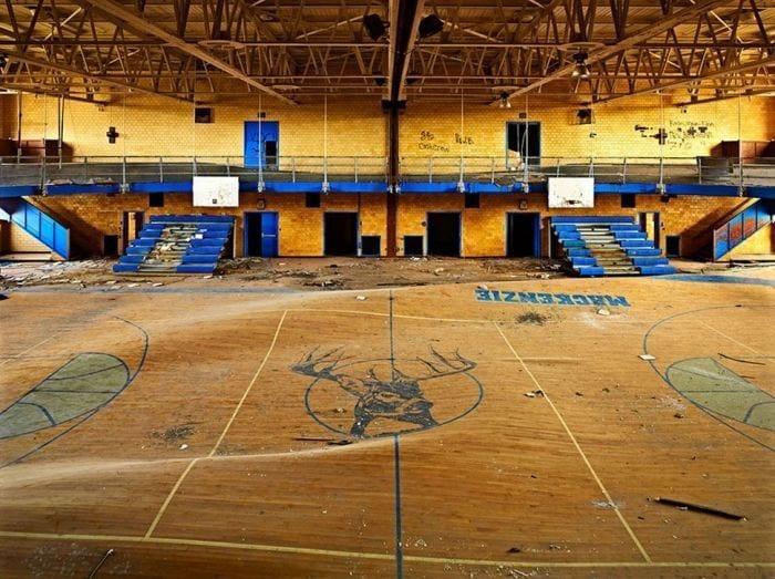 lugares-abandonados-llenos-historias-gimnasio