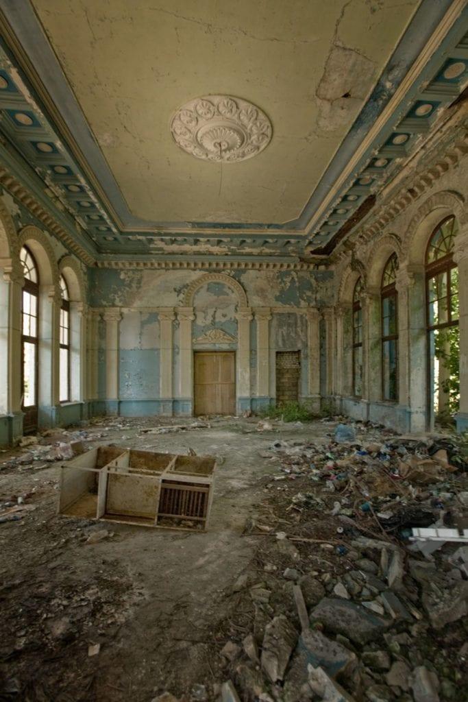 lugares-abandonados-llenos-historias-estacion