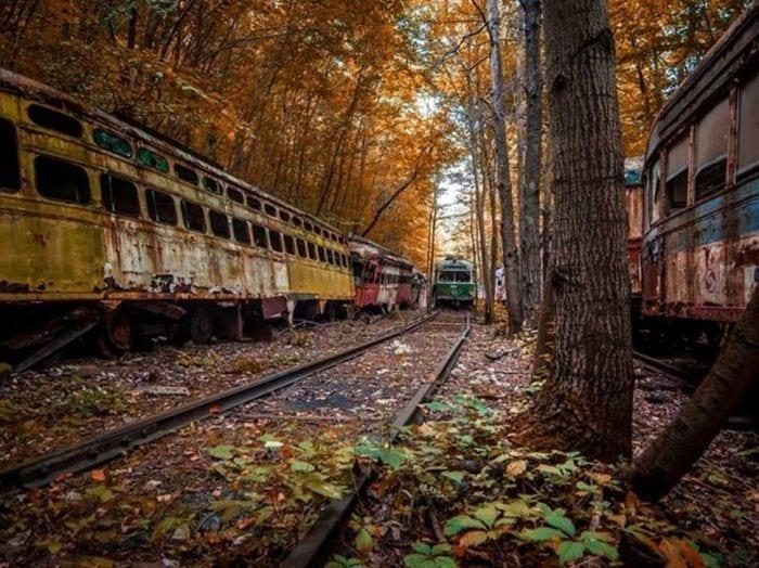 lugares-abandonados-llenos-historias-viejos-tramvias