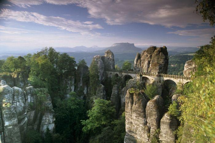 puentes-viejos-piedra-bucolicos-hermosos-Basteibrücke