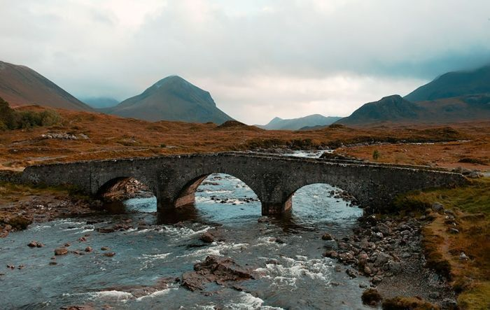 puentes-viejos-piedra-bucolicos-hermosos-sligachan