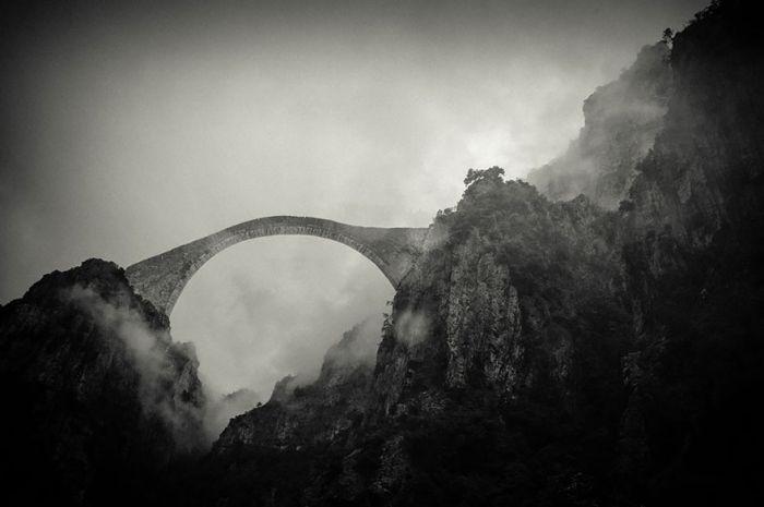 puentes-viejos-piedra-bucolicos-hermosos-pindo