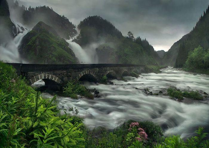 puentes-viejos-piedra-bucolicos-hermosos-latefossen