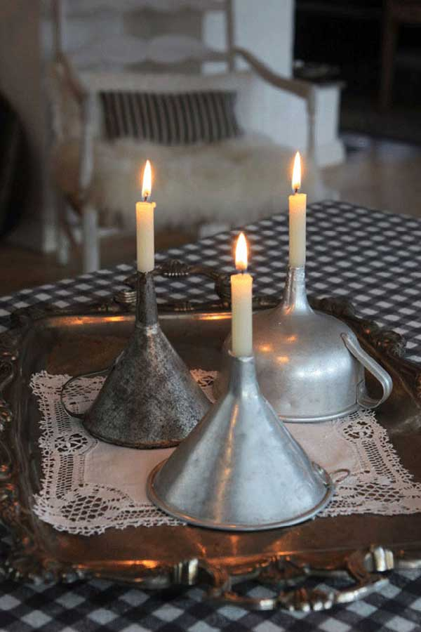 candelabros utensilios cocina reciclados embudos aluminio velas encendidas