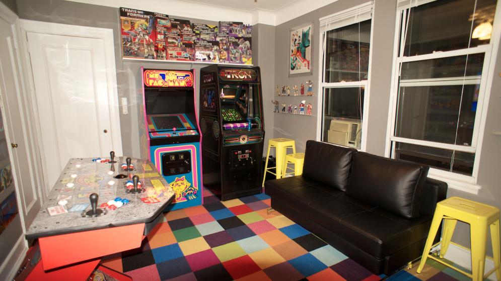 Se quedó sin novia, pero consiguió tener una casa arcade