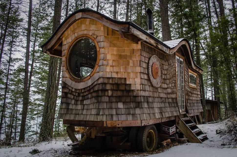 tiny house casa pequena construida madera rodante
