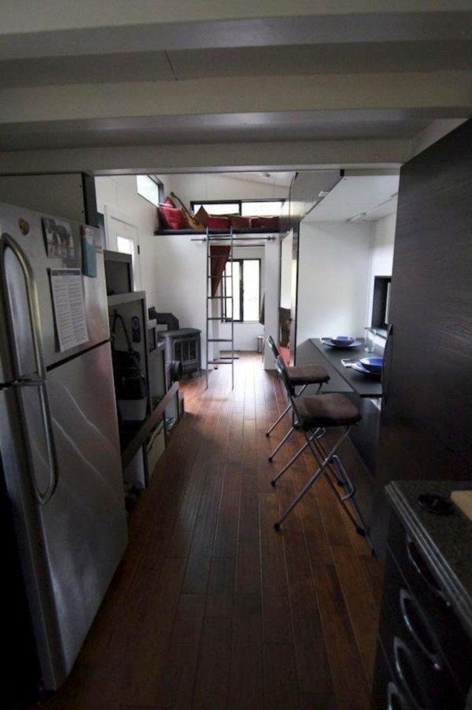 tiny house casa pequena interior suelo madera