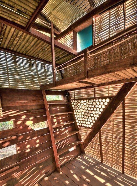 interior casa bambu orfanato detalle paredes techo suelo