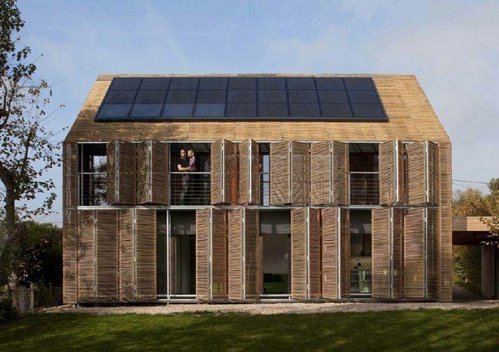 casa ecologica bambu ventanas puertas placas solares exterior