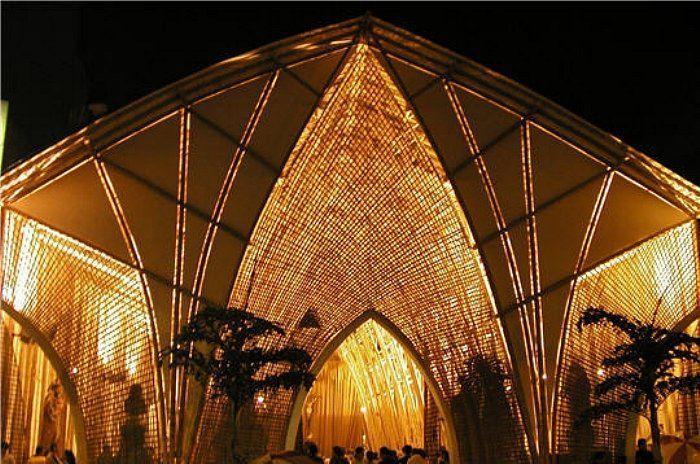 catedral bambu exterior noche luz interior arcos punta