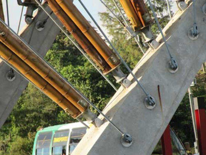 detalle interior puente ubierta bambu hormigon cana
