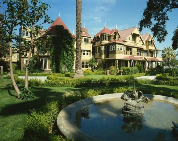 mansion encantada winchester exterior jardin fuentes