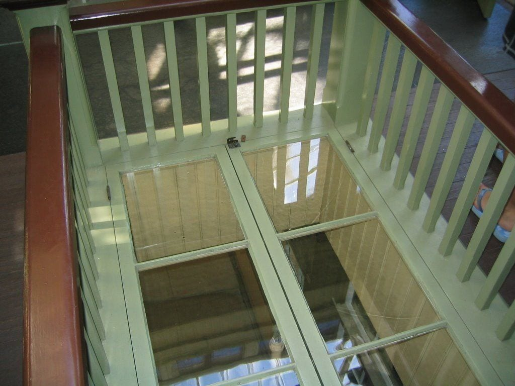 claraboia interior casa sarah winchester ventana horizontal