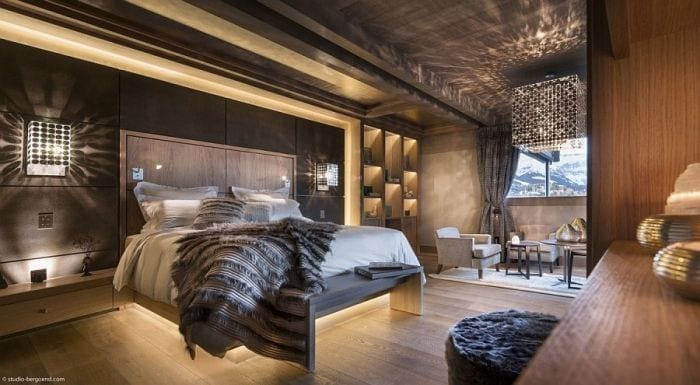 Cozy-opulent-bedroom-of-the-exclusive-Chalet-in-French-Alps
