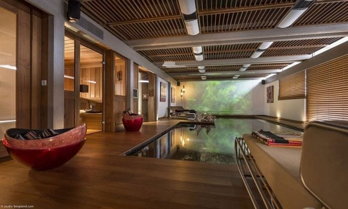 Indoor-pool-of-the-Chalet-Mont-Blanc