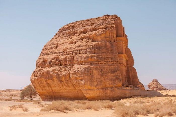 castillo-roca-desierto-01