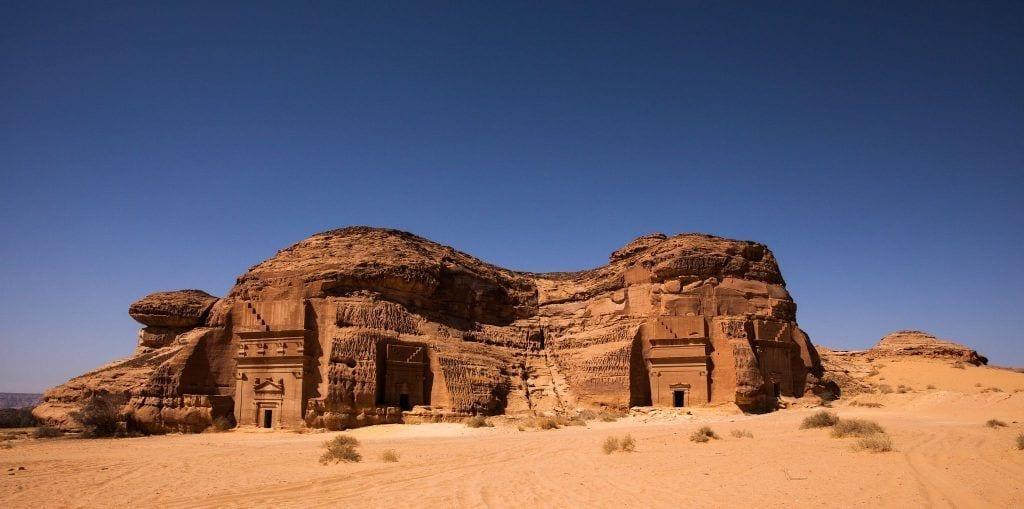 castillo-roca-desierto-05