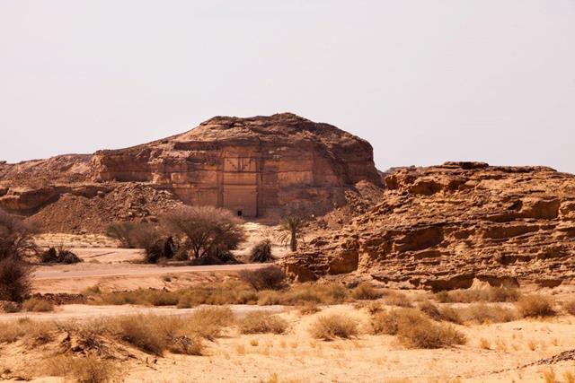castillo-roca-desierto-06