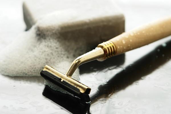 usos del vodka, limpia maquinas de afeitar