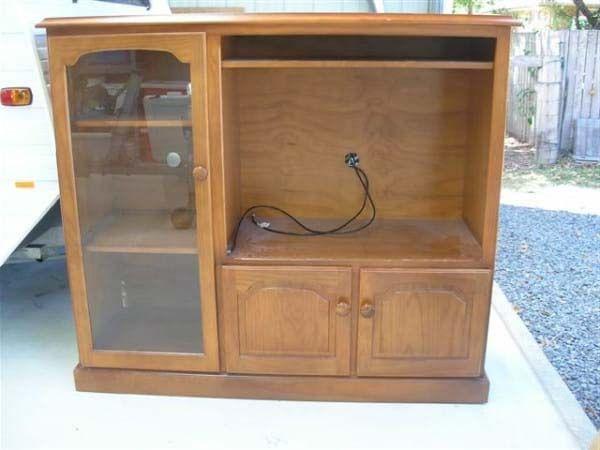 Por qu tirar un mueble viejo si lo puedes transformar for Reformar muebles antiguos