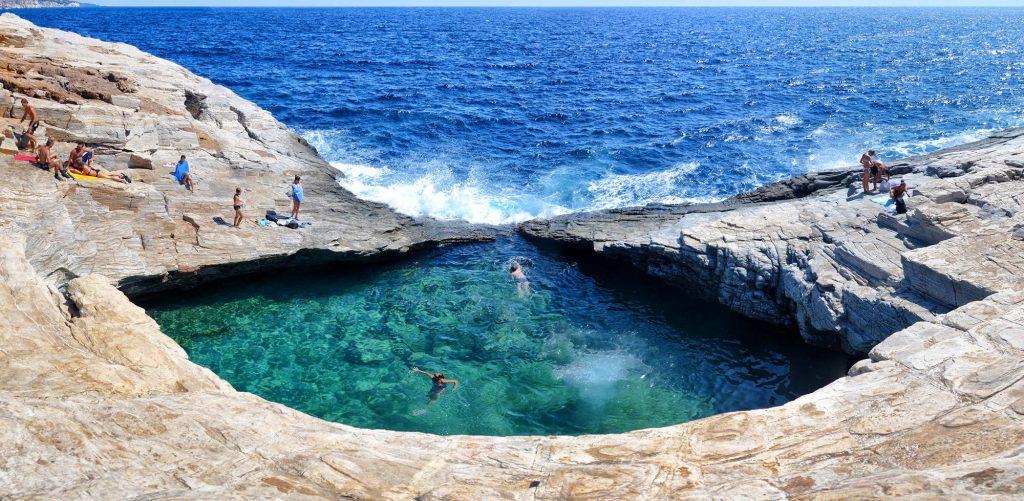 Te mostramos las 12 piscinas m s alucinantes del mundo for Mejores piscinas