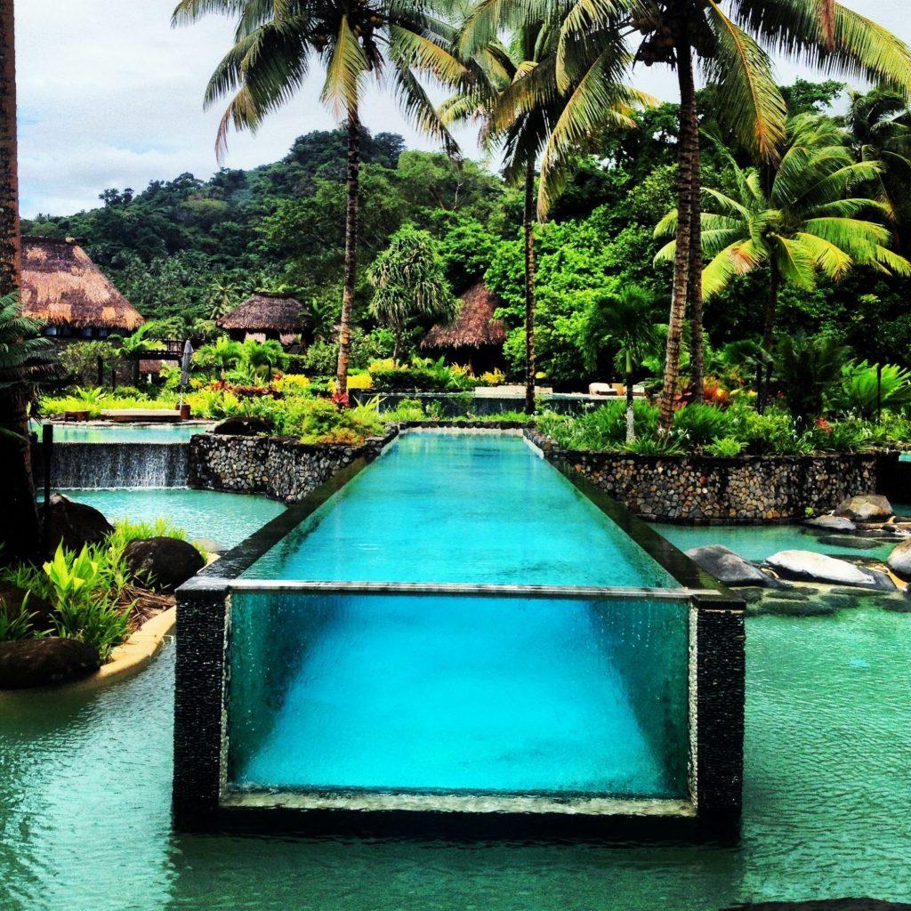 Te mostramos las 12 piscinas m s alucinantes del mundo for Mas piscinas