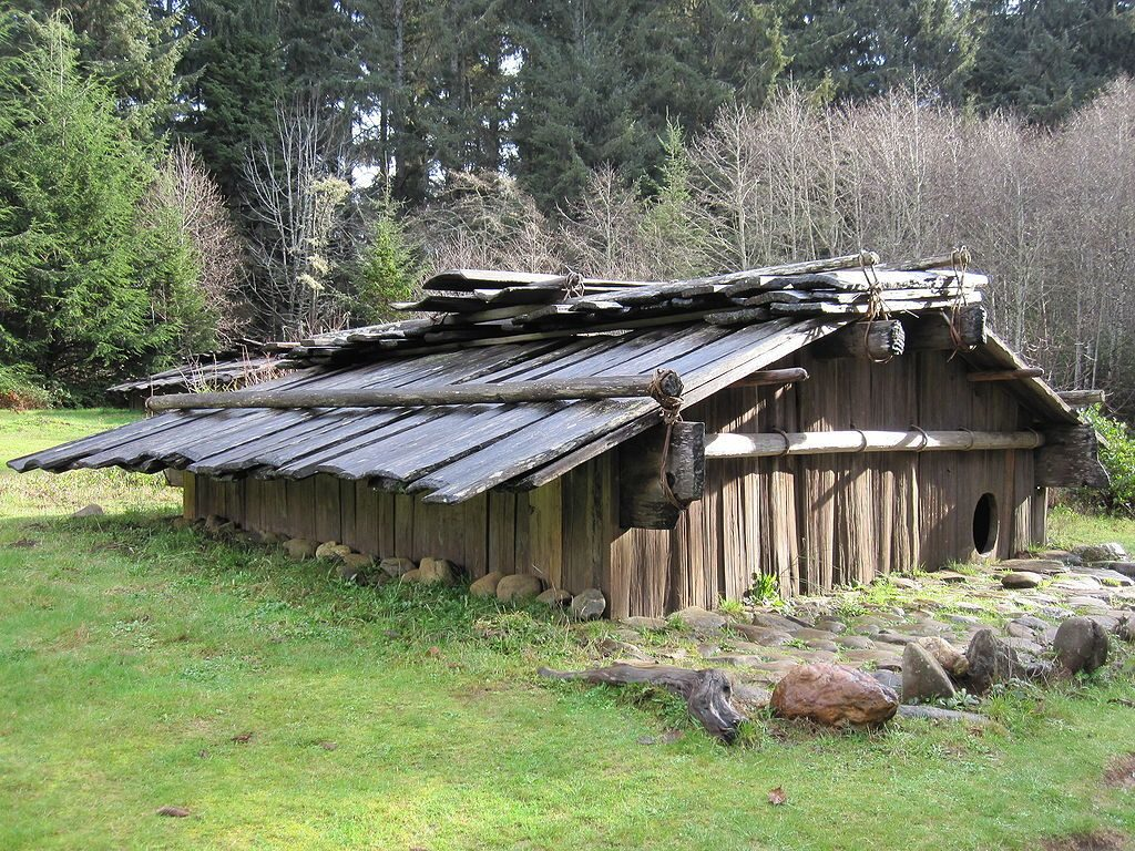 tipos-casas-mundo-plank-house-madera-bosque-piedras-prado