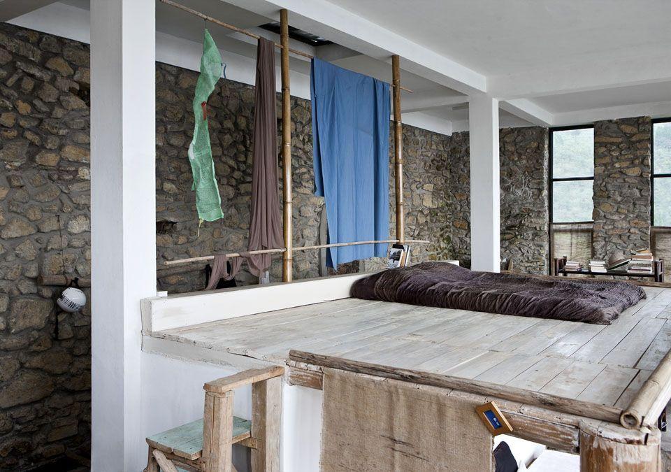 Mira c mo es por dentro esta espectacular casa en plena for Decoracion de casas balinesas