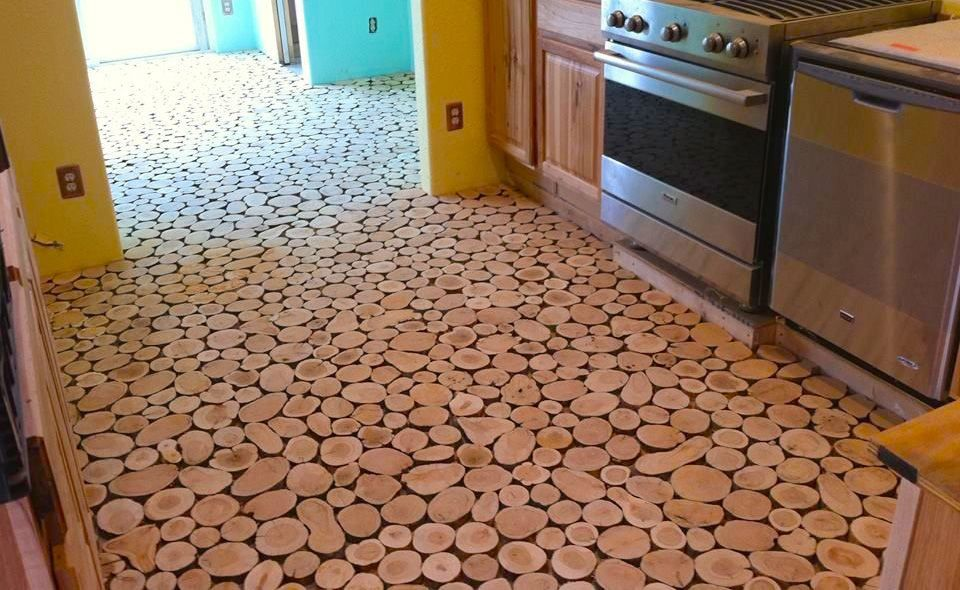 Conseguir un suelo hecho con discos de madera adem s de - Suelos de madera ikea ...