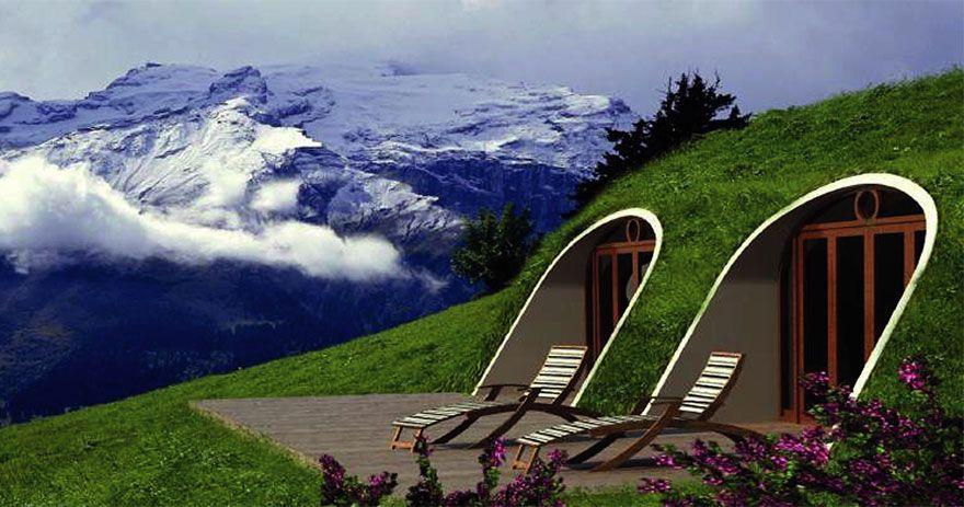 casa tejado vegetal ecologica barata integradaexterior tumbonas vistas montañas