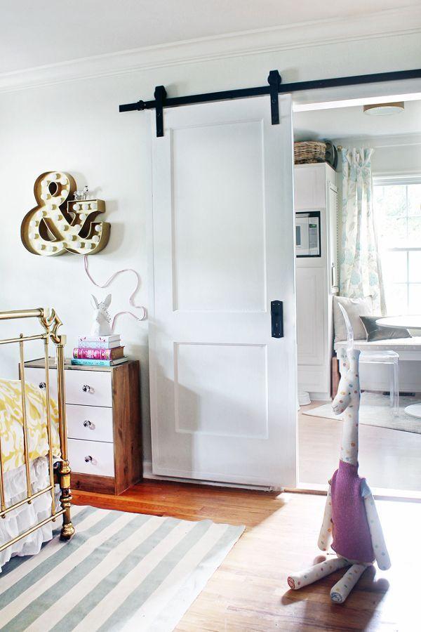 9 consejos para poner puertas correderas en casa sin tener - Como poner puerta corredera ...