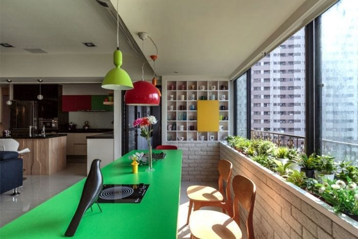"""<a href=""""http://interiorzine.com/2014/05/08/bright-and-cheery-living-room-decor/"""""""