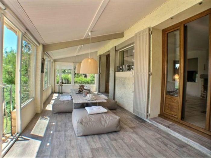 """<a href=""""http://www.cotemaison.fr/atelier-deco/home-staging-conseils-decoration-gratuits-pour-vendre-vite_22407.html"""""""
