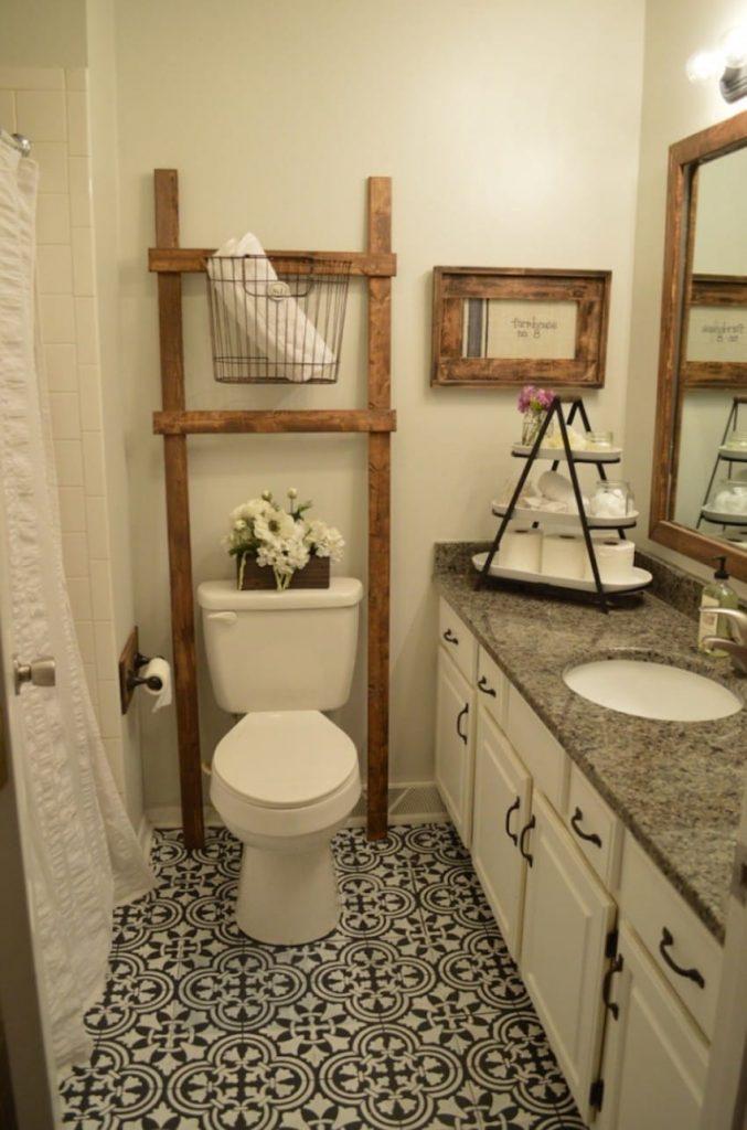 lowest price classic style high quality Comienza a pintar el suelo del baño de negro para ...