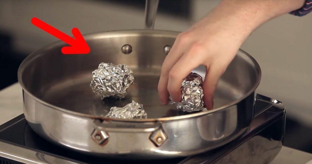 Papel de aluminio agua y una tapa son las 3 cosas que necesitas para cocinar recetas sanas y - Cosas para cocinar ...