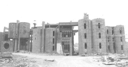 casa antigua fabrica cemento destacada