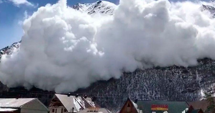 Una avalancha se traga una montaña