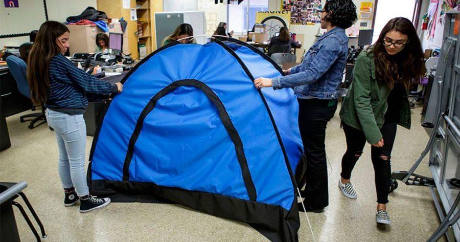 Un grupo de estudiantes consigue crear la solución perfecta para las personas sin hogar