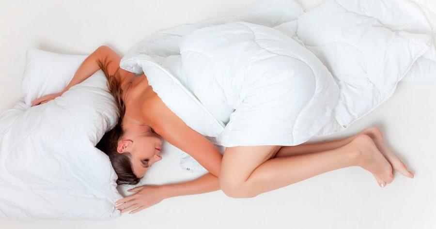 ¿Conoces cuál es la mejor y la peor postura para dormir? ¡Te sorprenderá la respuesta!